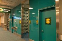 バンクーバー空港のトイレ