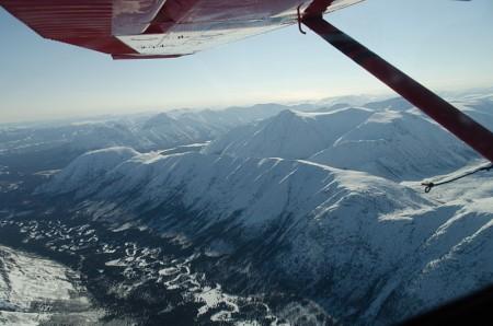 雪山と渓谷
