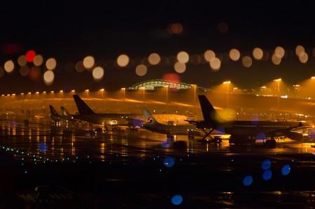 夜のターミナルを合成