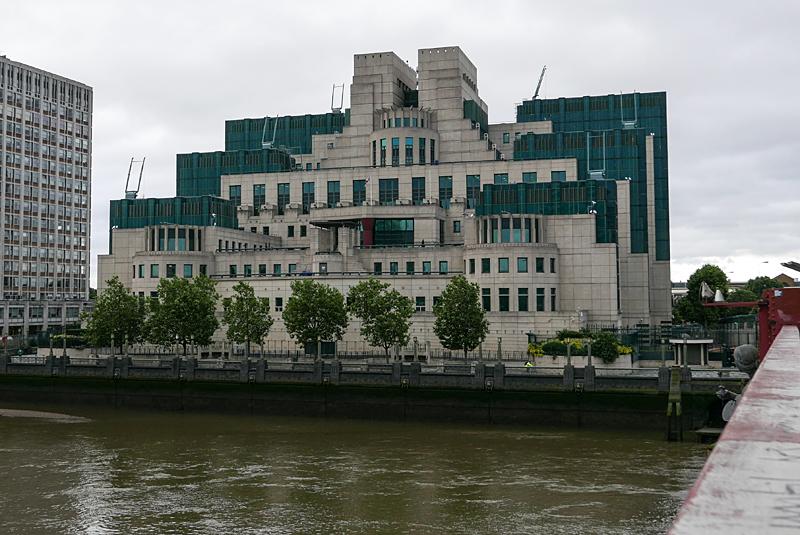 MI6とビクトリア駅 イギリス旅行-3