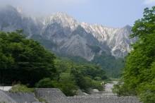 大山とホタル